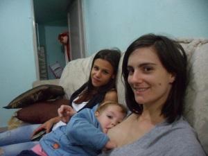 Eu, pequeno mamãe e a não-minha quase-namorada, um dia antes da festinha de 2 anos.